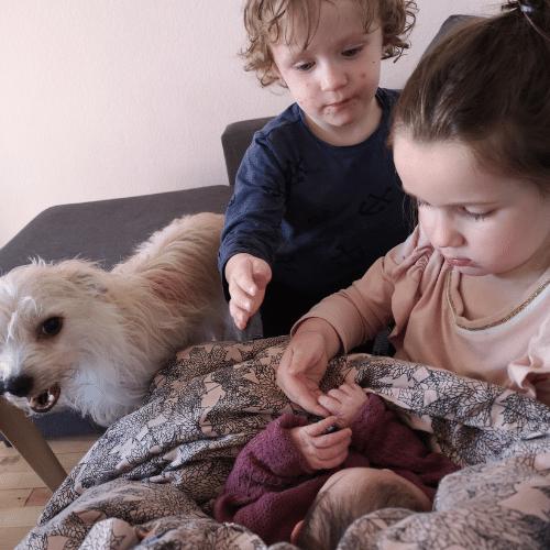 Milas, Emily og Chloe